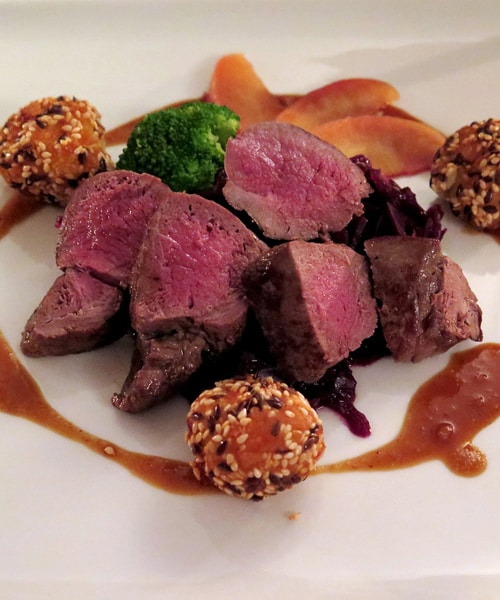 Simple and Effective Ways to Cook Venison for Dinner Guests