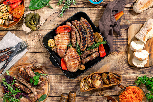 Using Grill Pan cooking a grilled steak